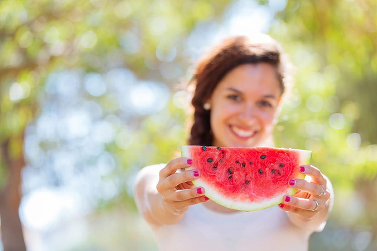 فوائد بذور البطيخ المحمص للعناية بالجسم والبشرة