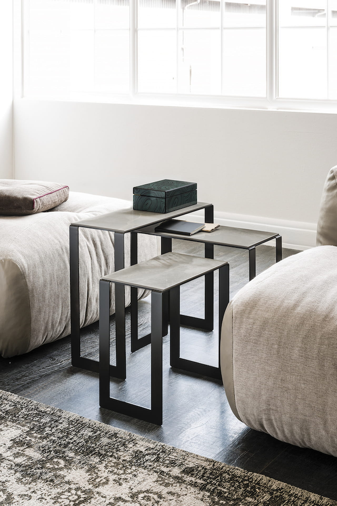 Salotti moderni tavolini mobili e accessori di design for Tavolini di design