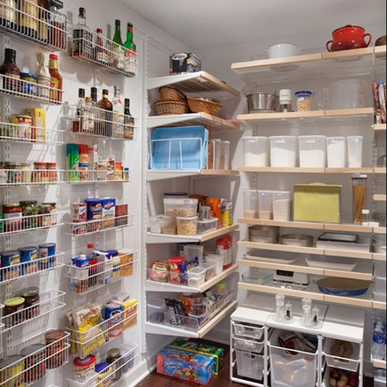 Несколько советов о том, как организовать хранение на кухне.