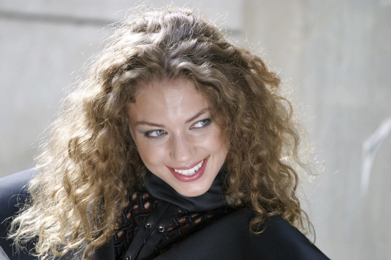 404713682 Look cabelo cacheado: veja 10 exemplos inspiradores