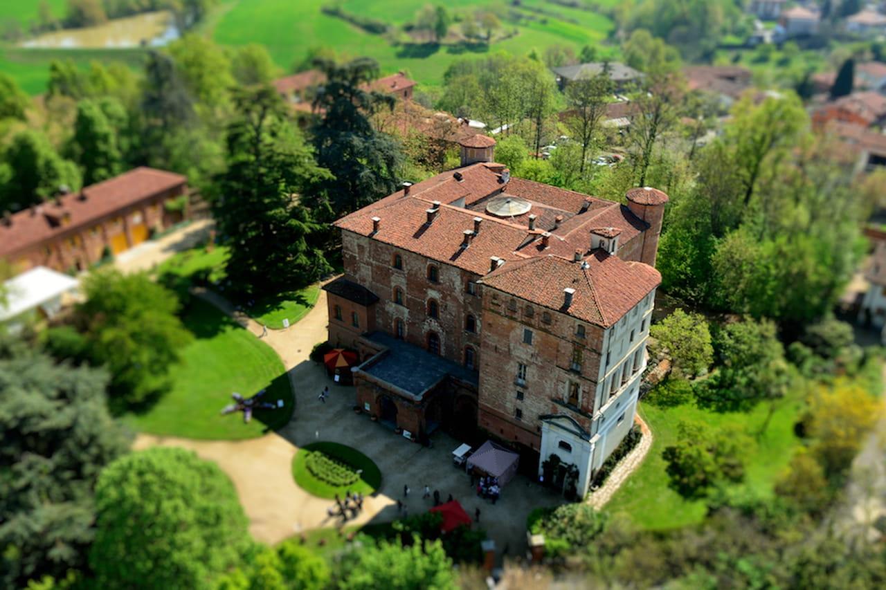 Castello di pralormo i tulipani gli chef le segrete stanze for Case neoclassiche