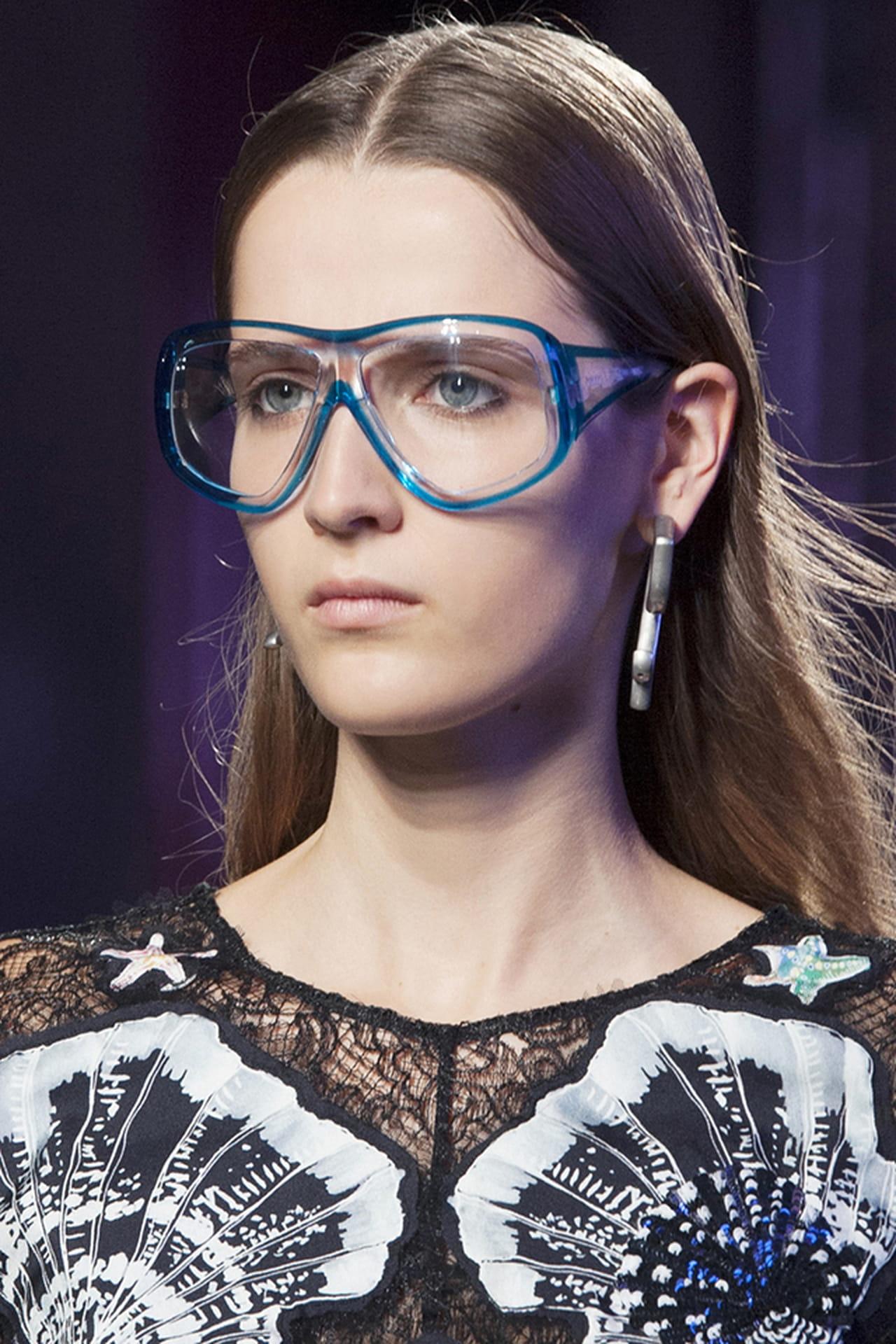 76a86dc6193a6 Descubra o modelo de óculos de grau ideal para seu tipo de rosto