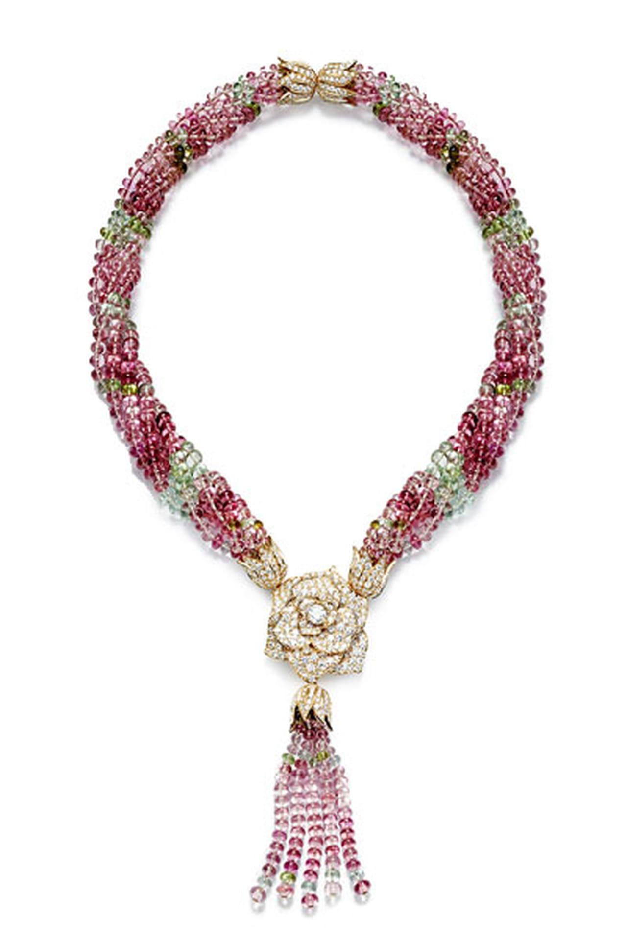 593c32d94 مجوهرات متعددة الألوان .. أبرز الصيحات في 2014