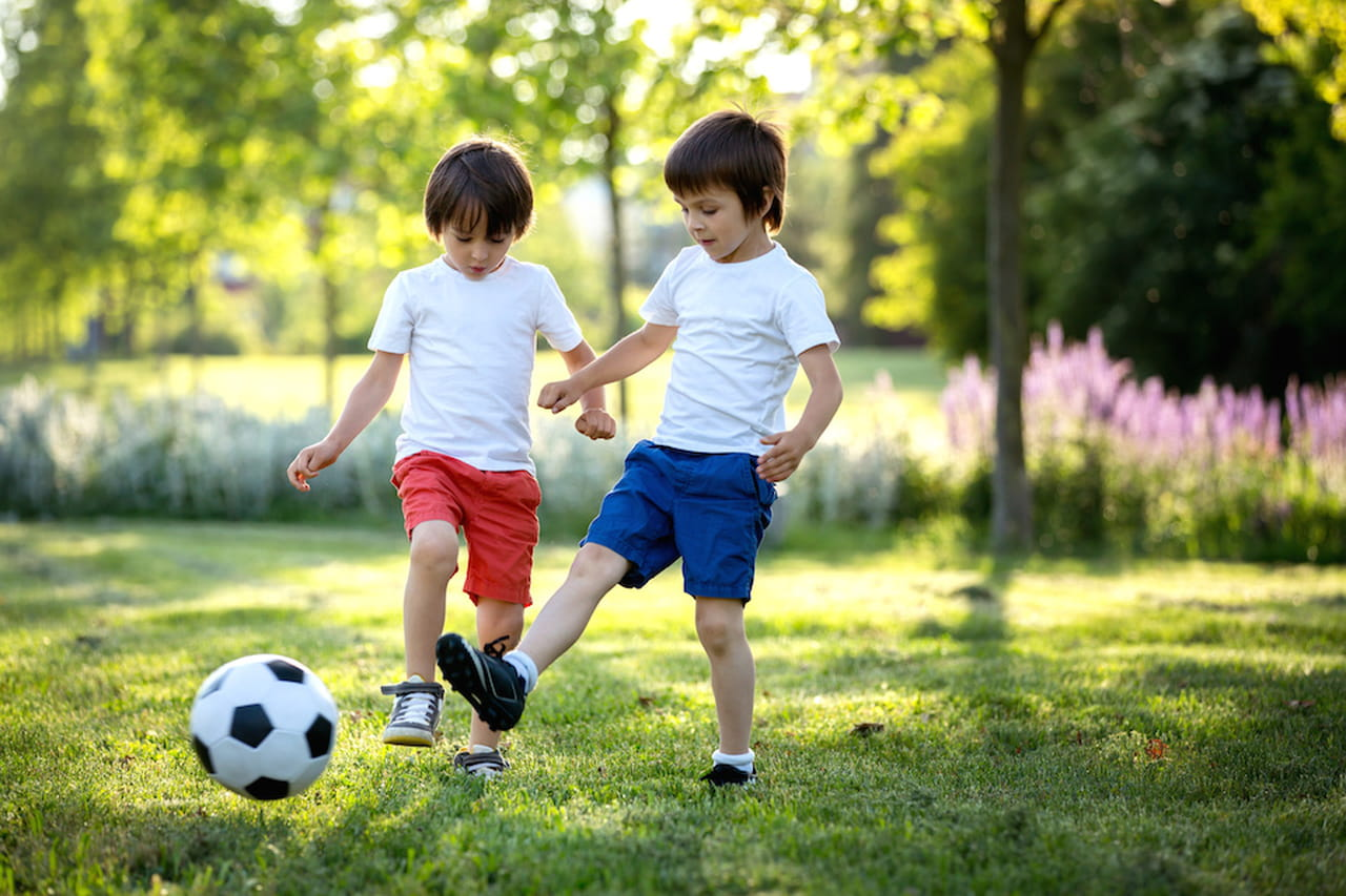 Bambini Che Giocano Cosa Insegna Il Calcio