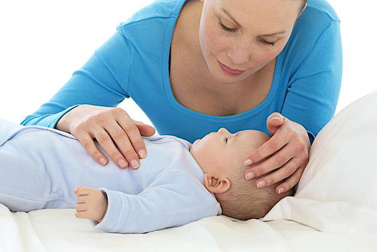 أسباب ارتفاع درجة الحرارة في الأطفال وإرشادات حول التعامل معه