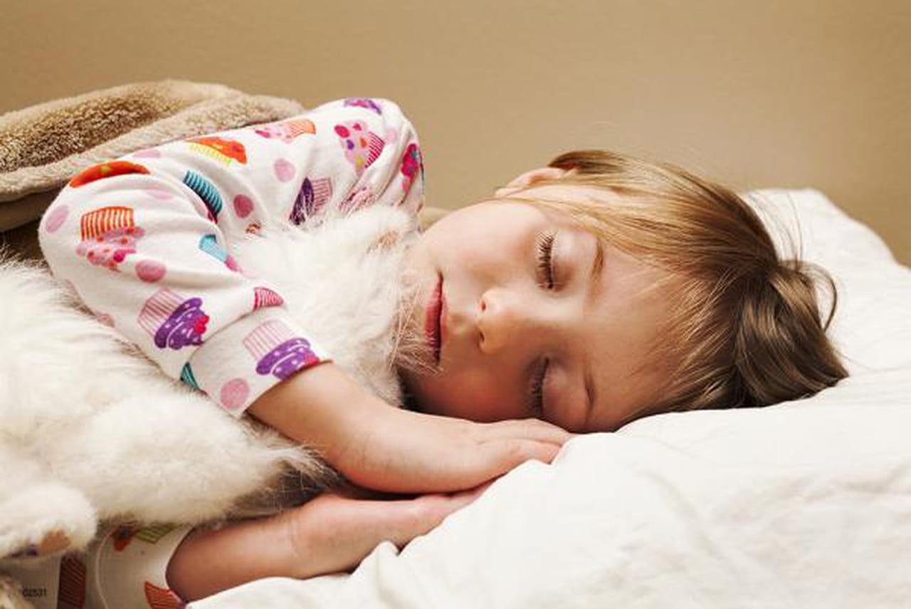 d6951dffbd780 مشكلة التبول في الفراش ليلاً لدى الأطفال  أسبابها، وعلاجها