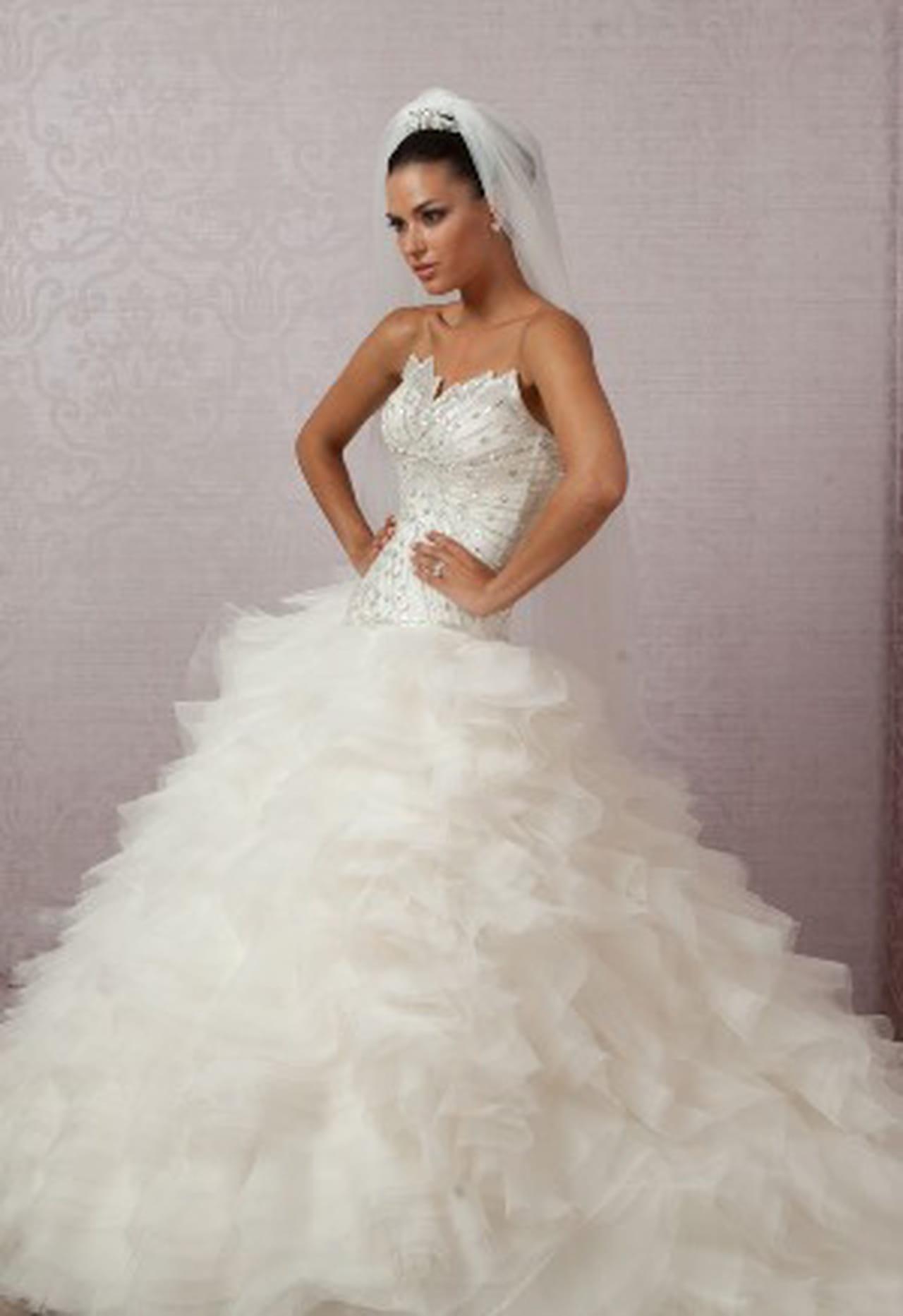 30255cd8fa340 النعومة والرقة تميز فساتين الزفاف التركية للعروس 2014 Turkish wedding  dresses