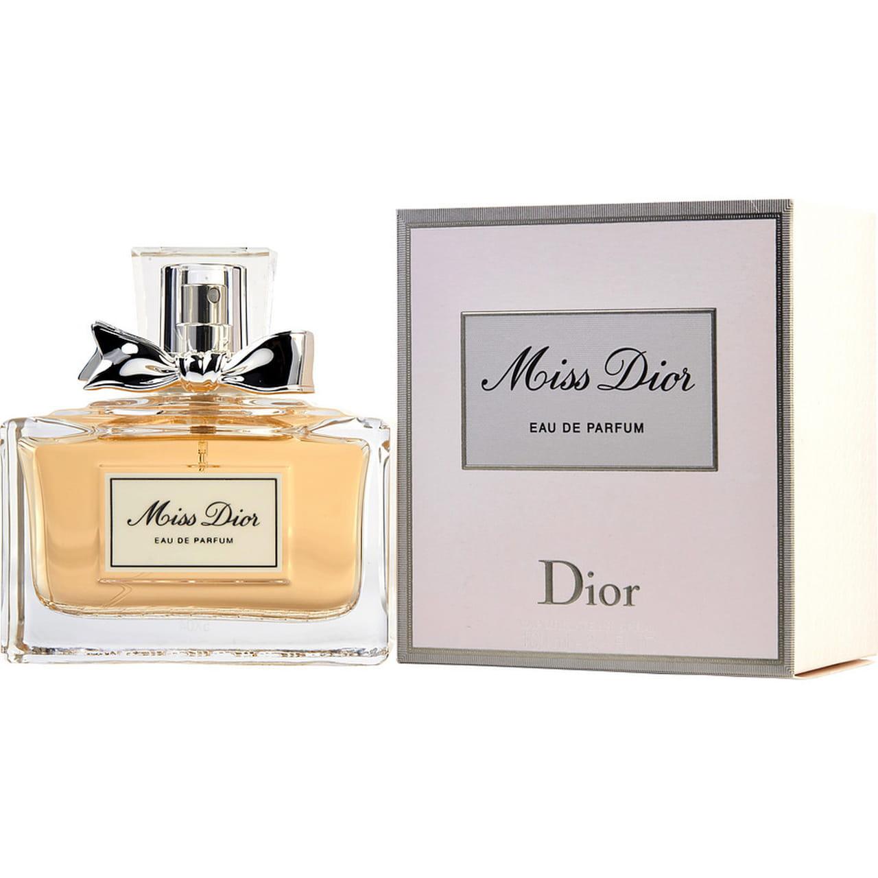 20a1cb1c3 من أجمل العطورات النسائية المقدمة من Dior، فسيدفع بشريكك للجنون وعشق رائحة  عطرك. عطر نقي وقيم، يمثل البراءة التامة مع رائحة الياسمين والباتشولي  والماندرين.