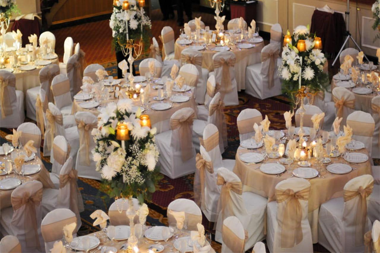 ديكور الزفاف الذهبي لعرس ملكي فاخر