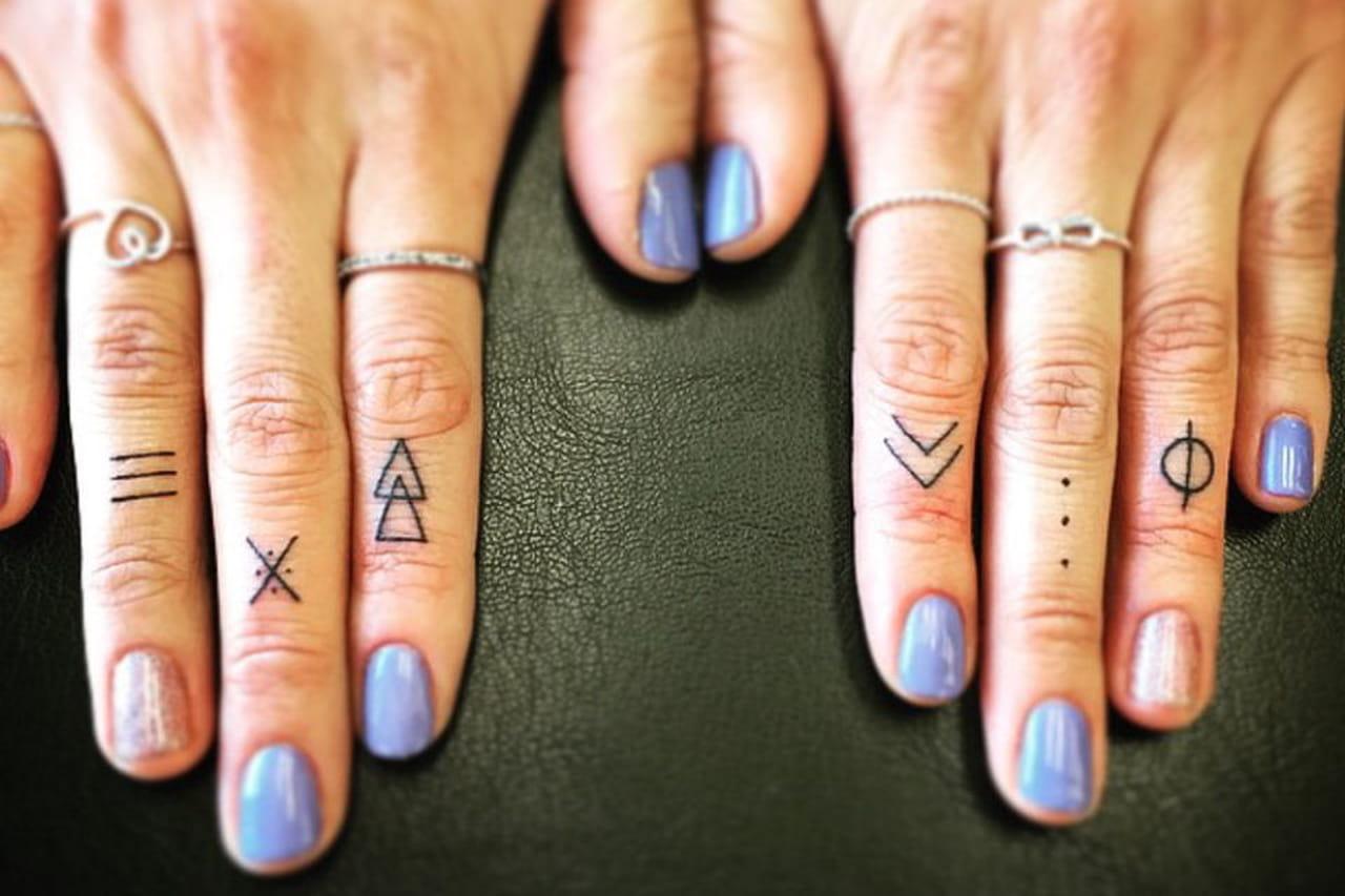 Tatuagens pequenas Dedo