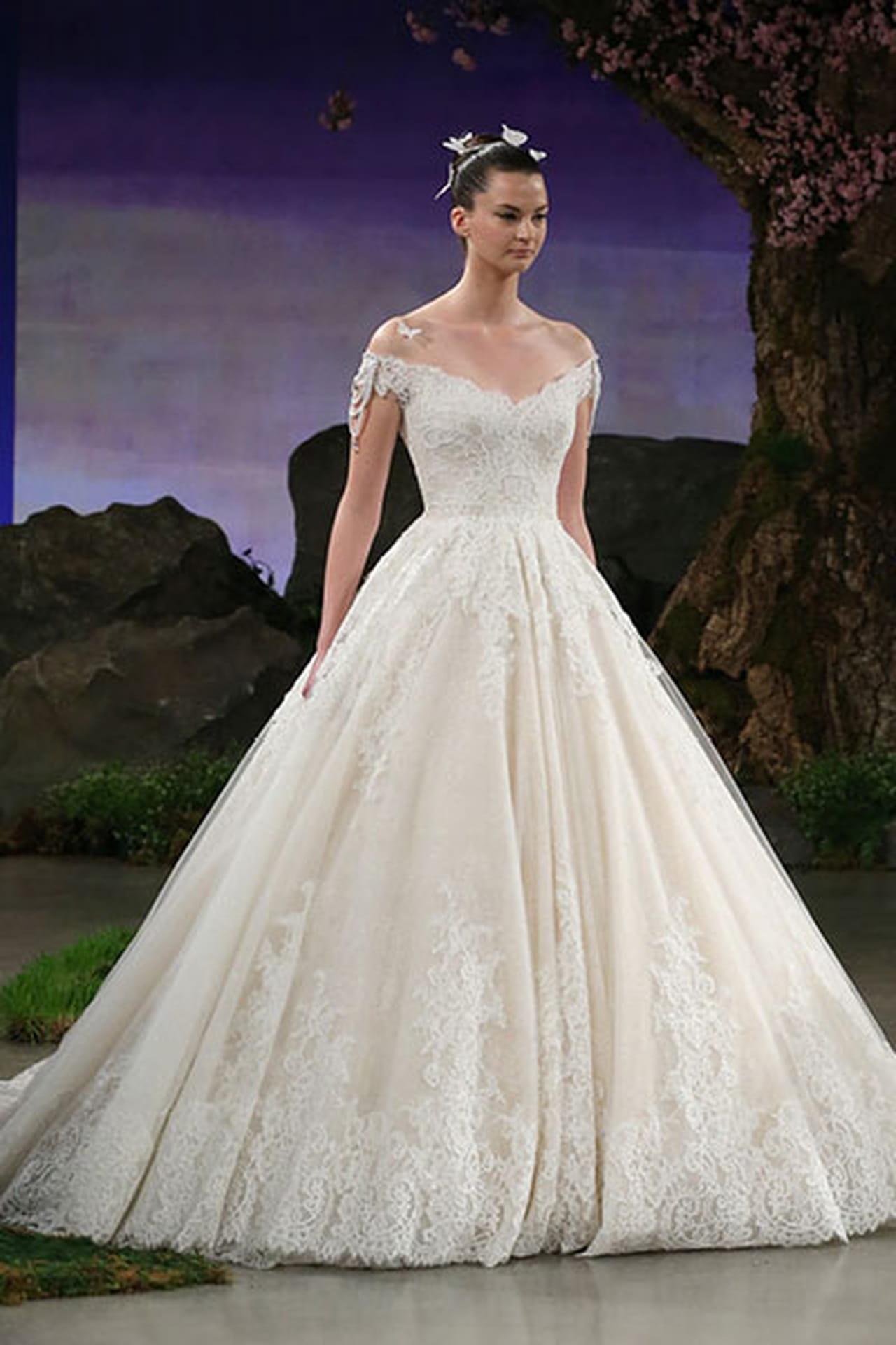 اجمل تصاميم من فساتين اعراس 2016
