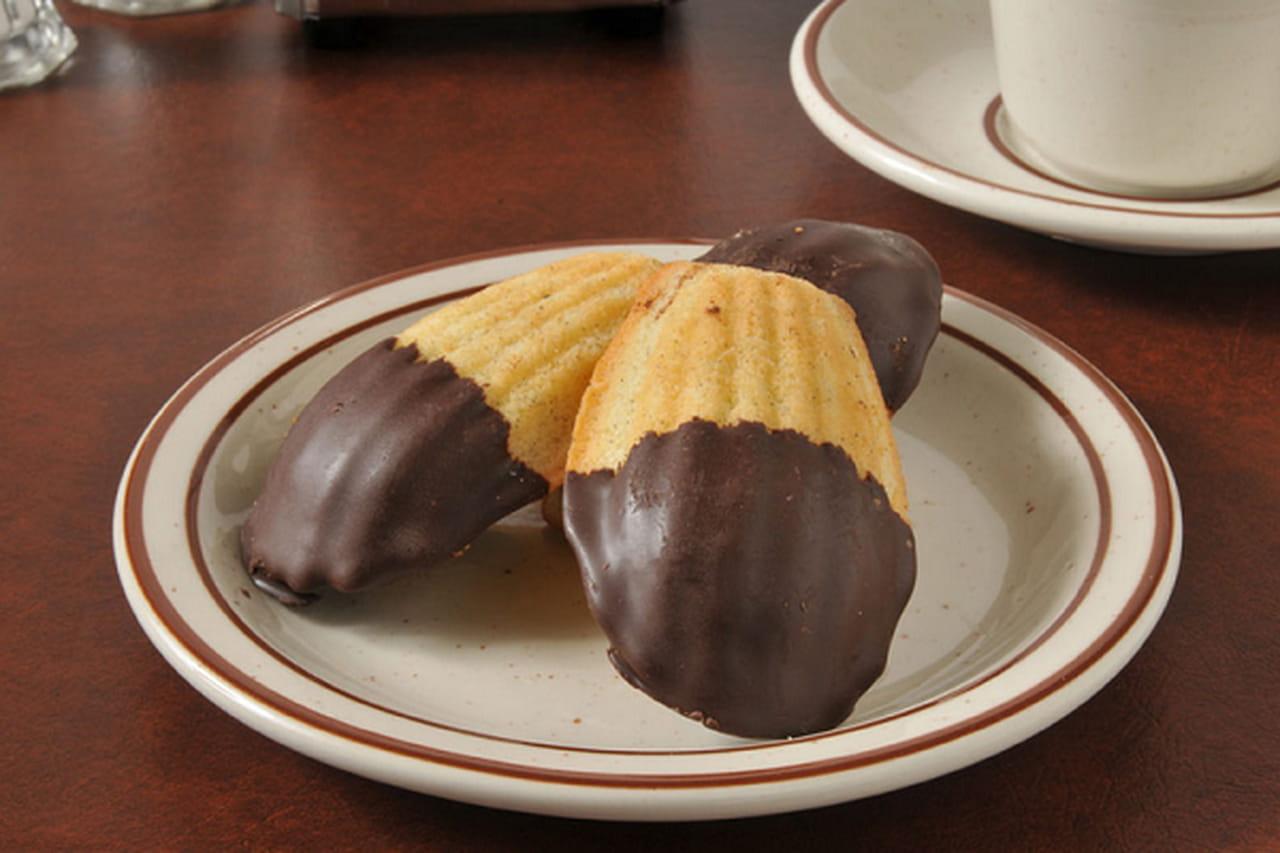 طريقة عمل حلوى المادلين بالشوكولاتة 810817.png