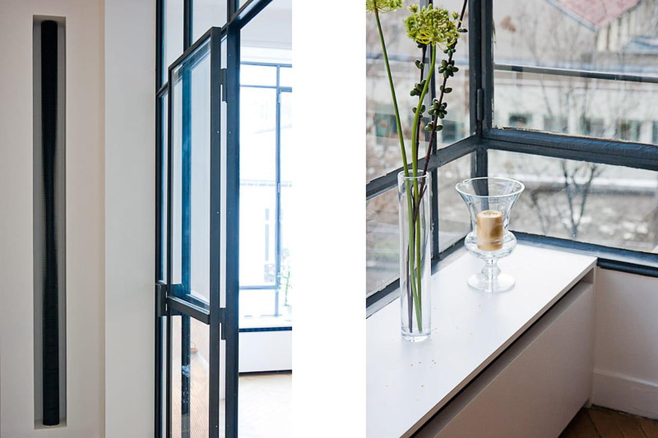 Un appartamento parigino all 39 insegna dei contrasti for Cucina a bovindo