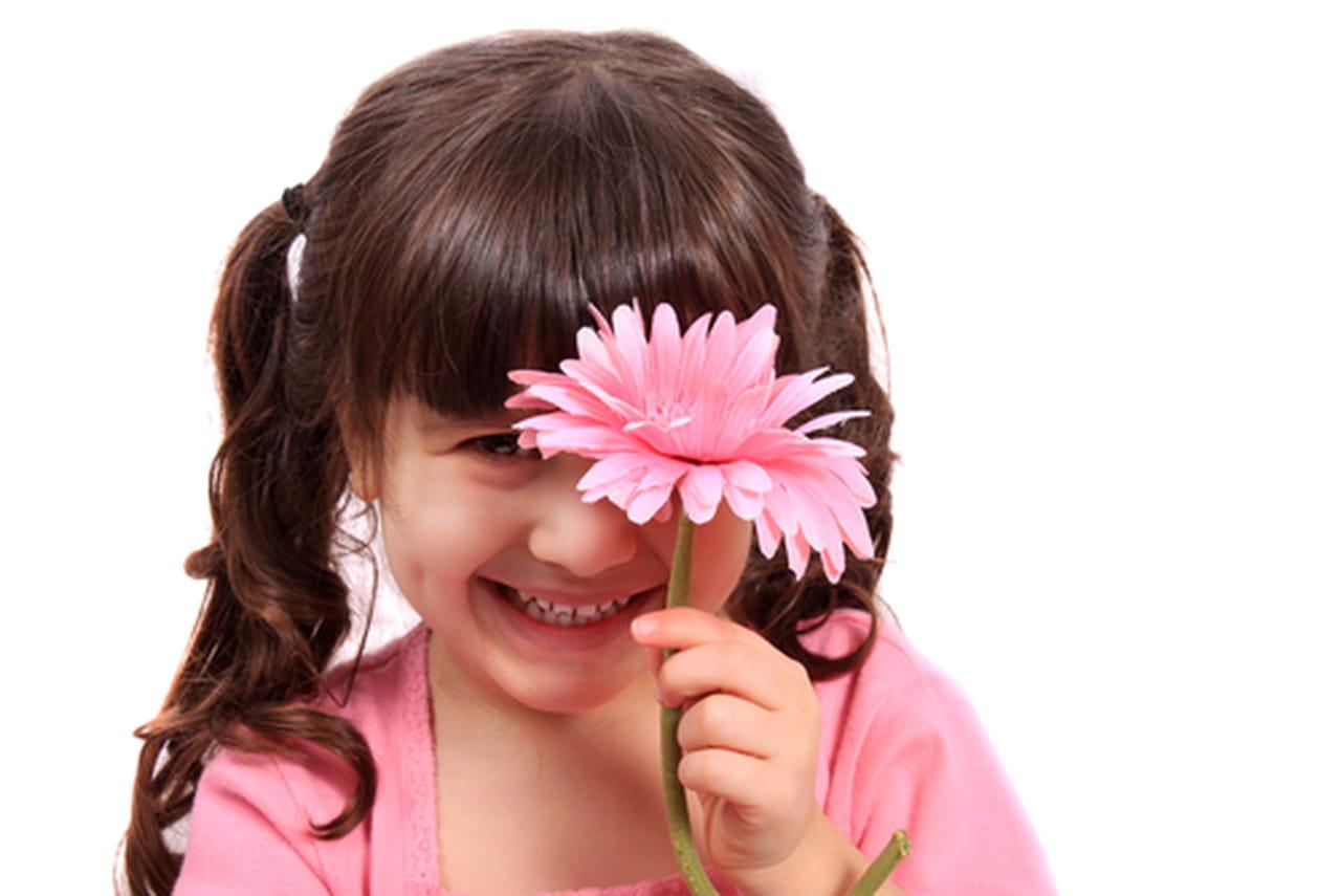 كيفية التعامل مع طفلك الخجول وزيادة ثقته بنفسه