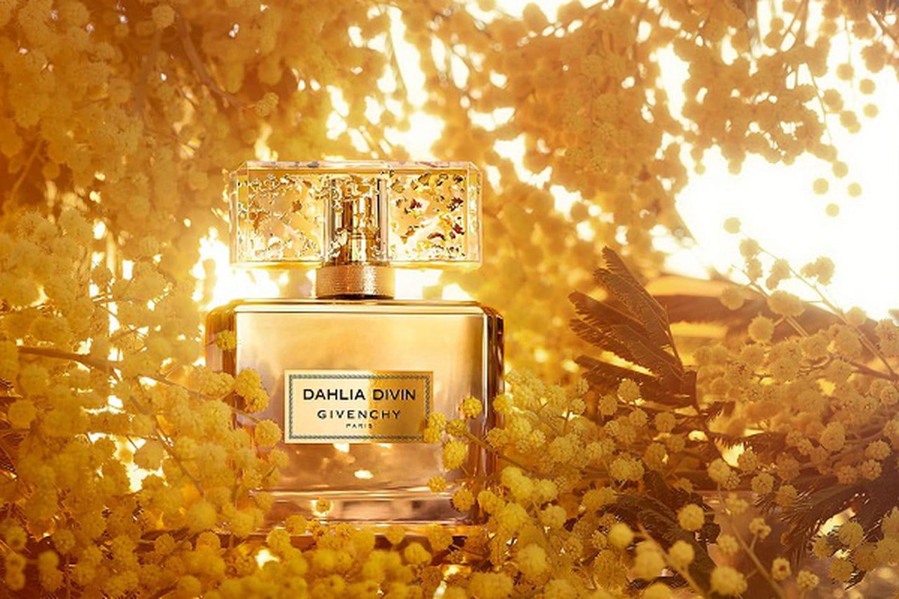 783da6d7d تقرر إطلاق عطر جيفنشي Givenchy الجديد وهو الإصدار الثالث من عطر Dahlia  Divin خلال شهر يونيو لعام 2016، إصدار أكثر تركيزًا بإسم Dahlia Divin Le  Nectar de ...