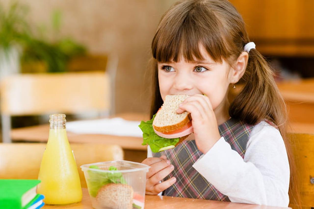 نصائح غذائية لكل ام لتغذية الاطفال فى المدرسة بوجبات غذائية صحية