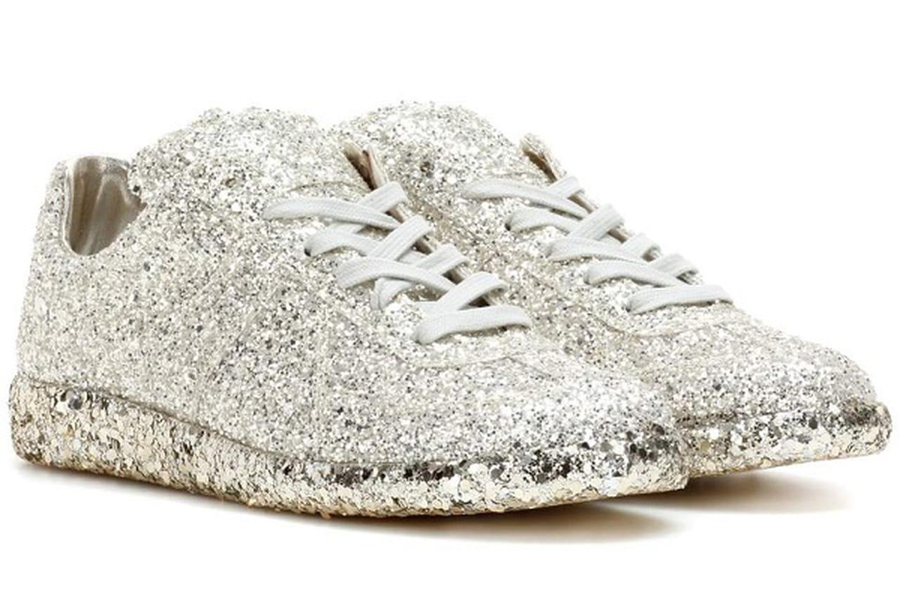a6967af9c بالصور: أحذية العرس الرياضية لإطلالة جريئة بزفافك