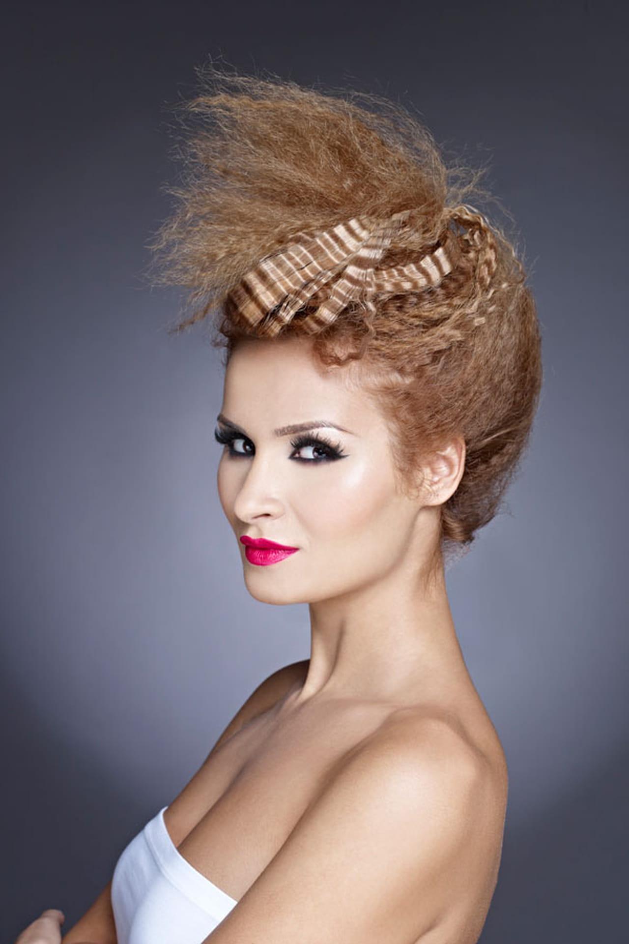 Прическа из гофрированных волос на средние волосы фото