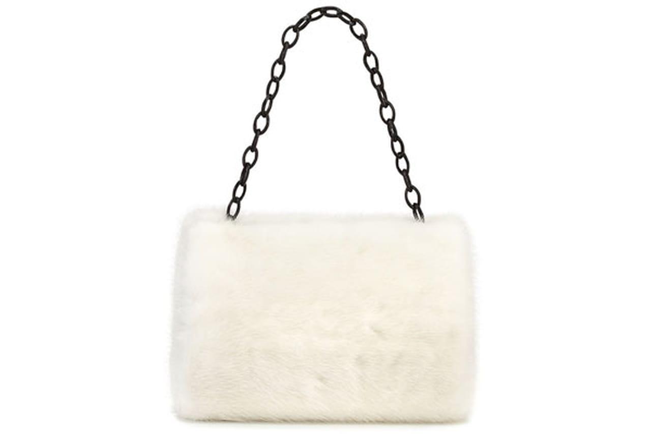 حقائب الثلج بتدرجات اللون الابيض