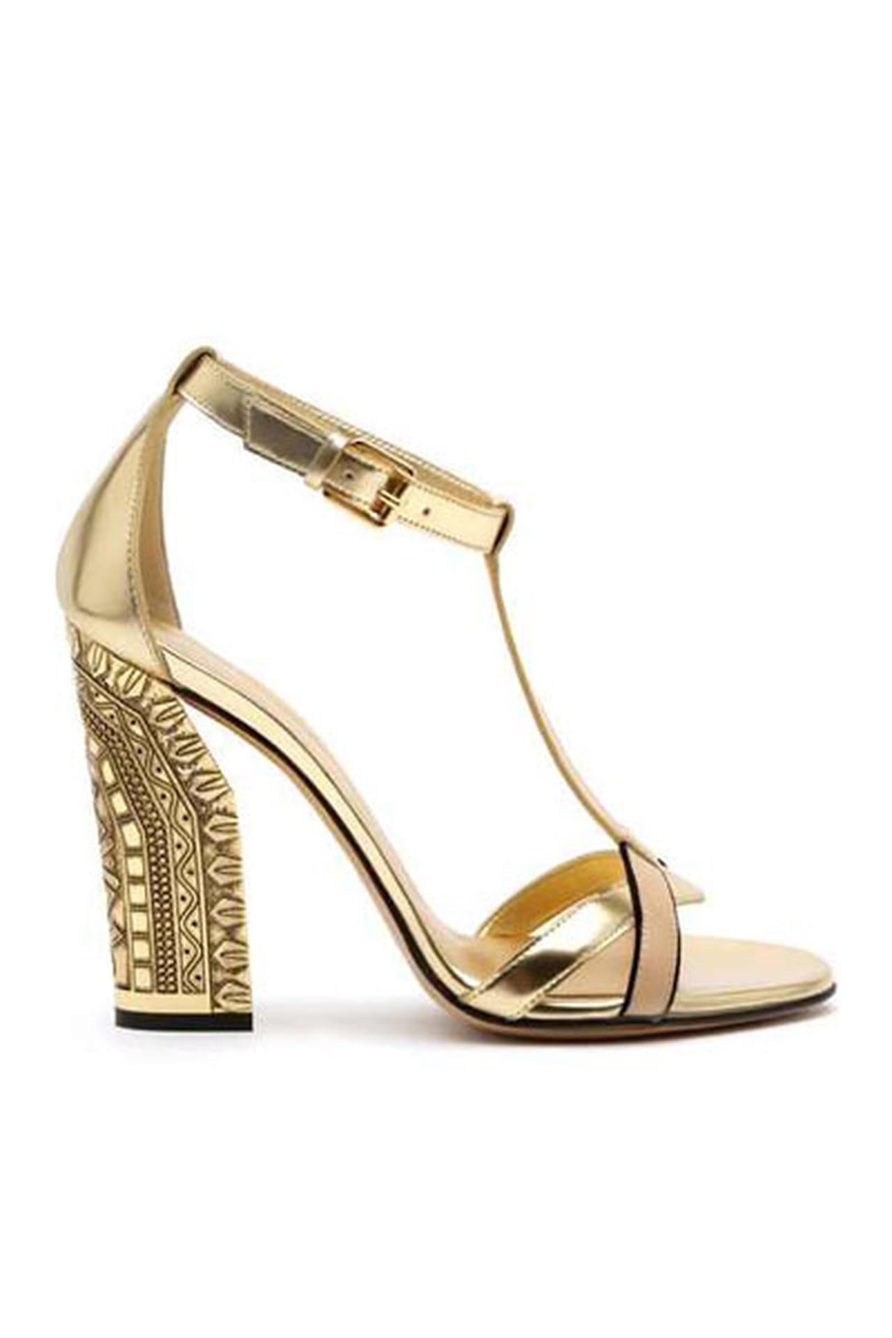 e7550ce616509 تشكيلة احذيه باللون الذهبي لعروس متألقة هذا الموسم