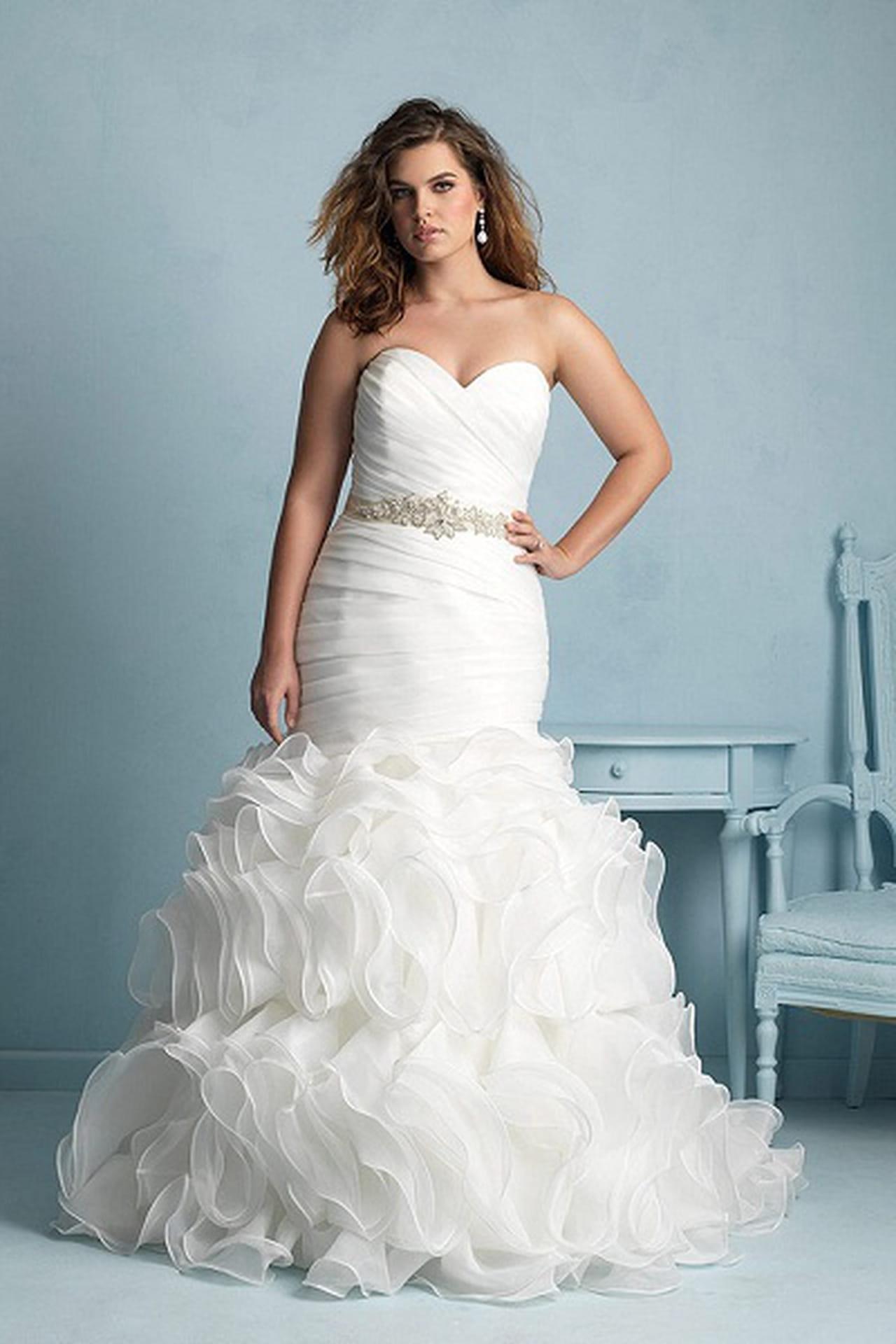 4714f3558a13c بالصور  أجمل فساتين الزفاف للعروس الكيرفي