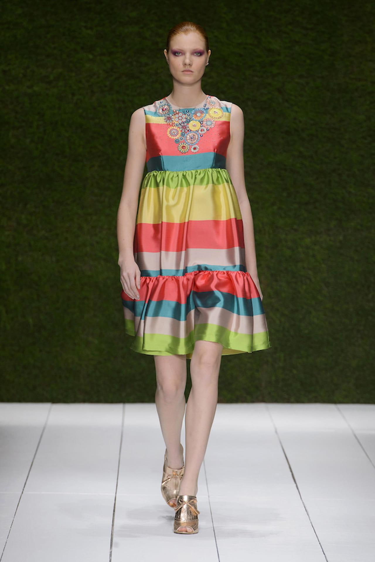 f745d4fa0601 Il vestito da cerimonia adatto agli eventi mattutini per il 2017 sarà  coloratissimo. © Imaxtree.com
