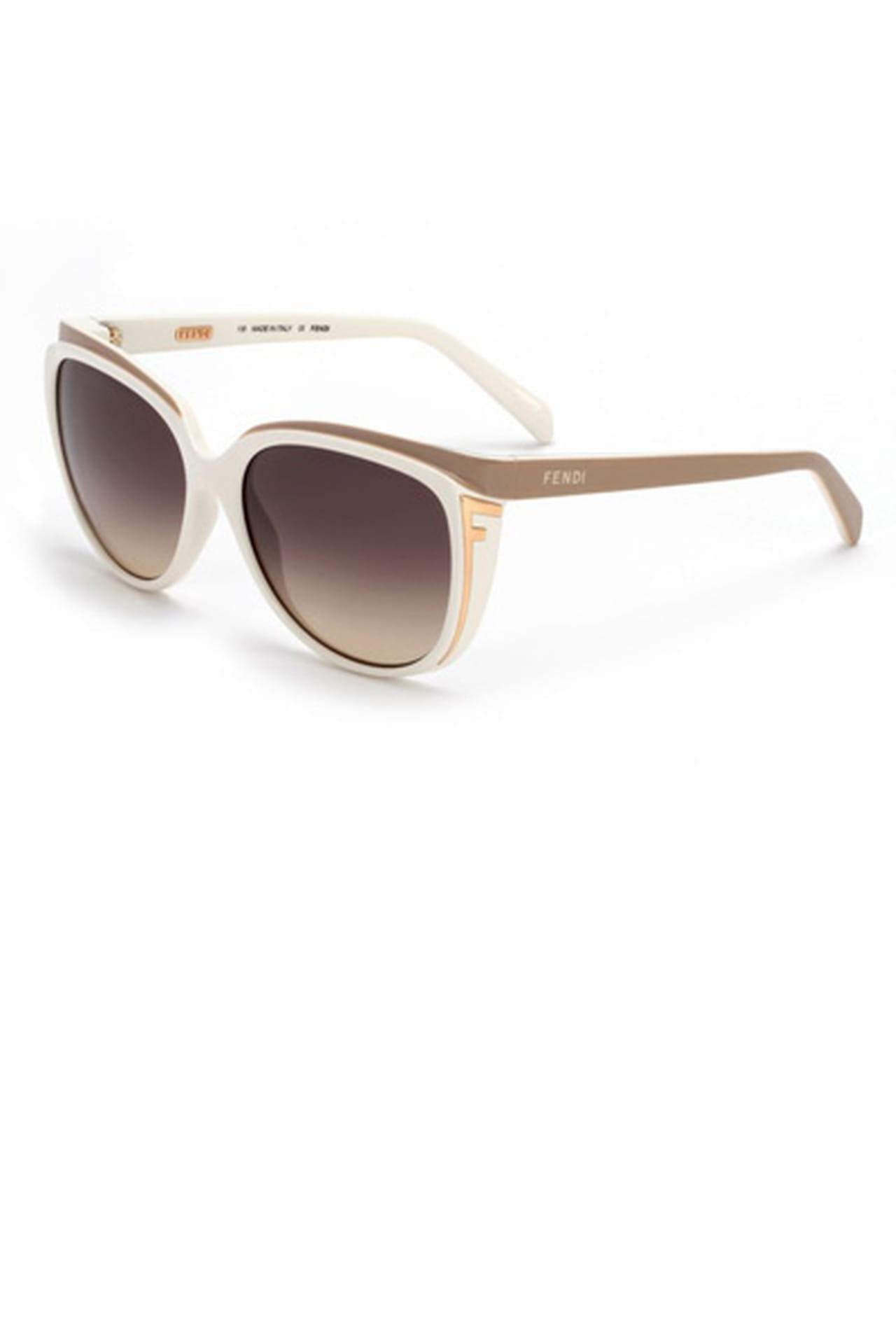 94a5b9837 نظارة شمسية بيضاء من Fendi. من مجموعة Fendi لربيع وصيف 2013