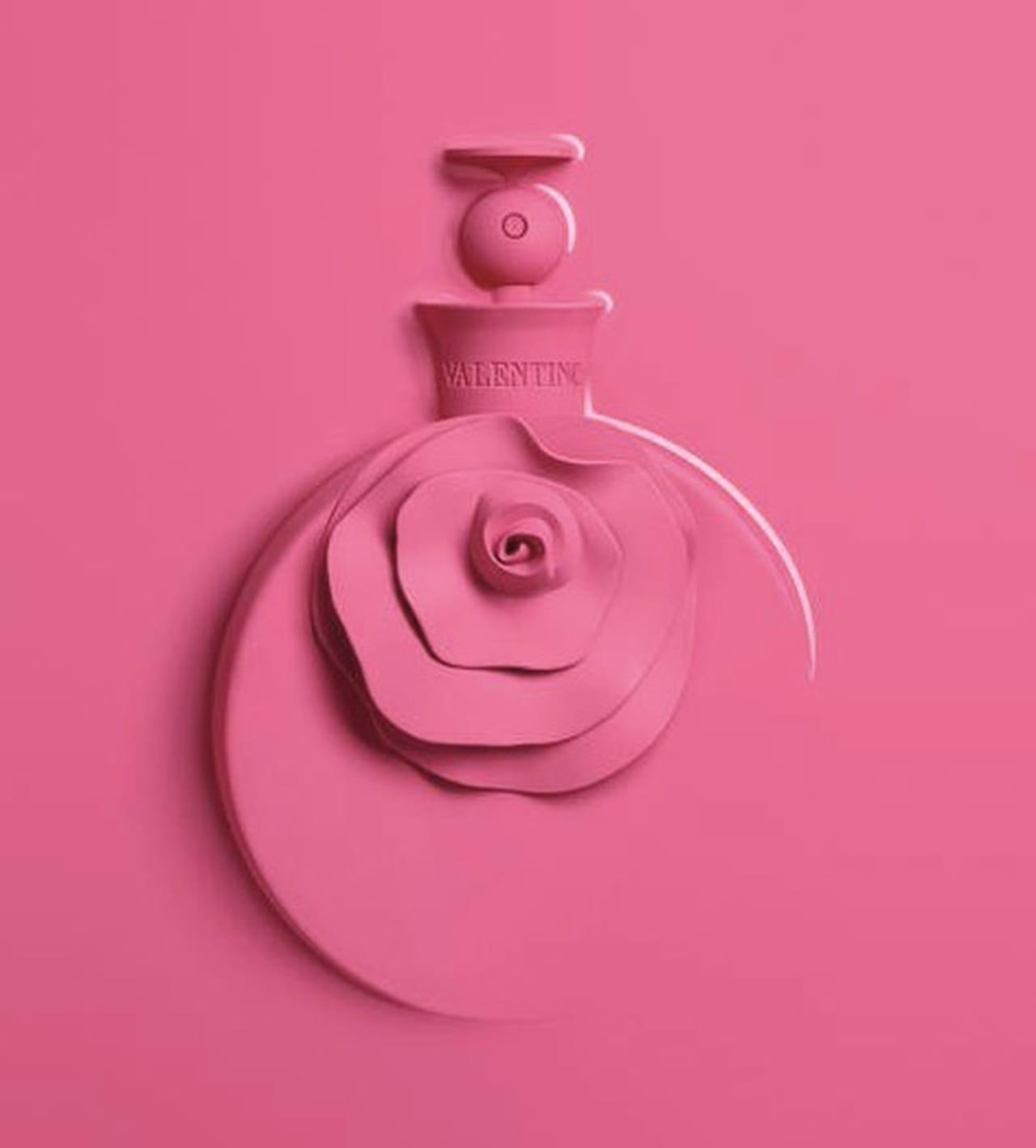 عطر Valentino الوردي الجديد لاستقبال الربيع 867980.jpg