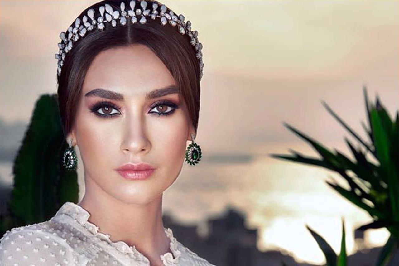 74164a2d7ed30 اليوم نعرفك على أبرز صيحات مكياج عروس 2015، من خلال صور مكياج أشهر خبراء  التجميل العرب، سواء ألوان أو رسومات العين.