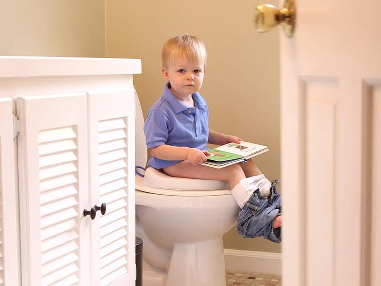 Ha peeing potty toilet - Nude pics