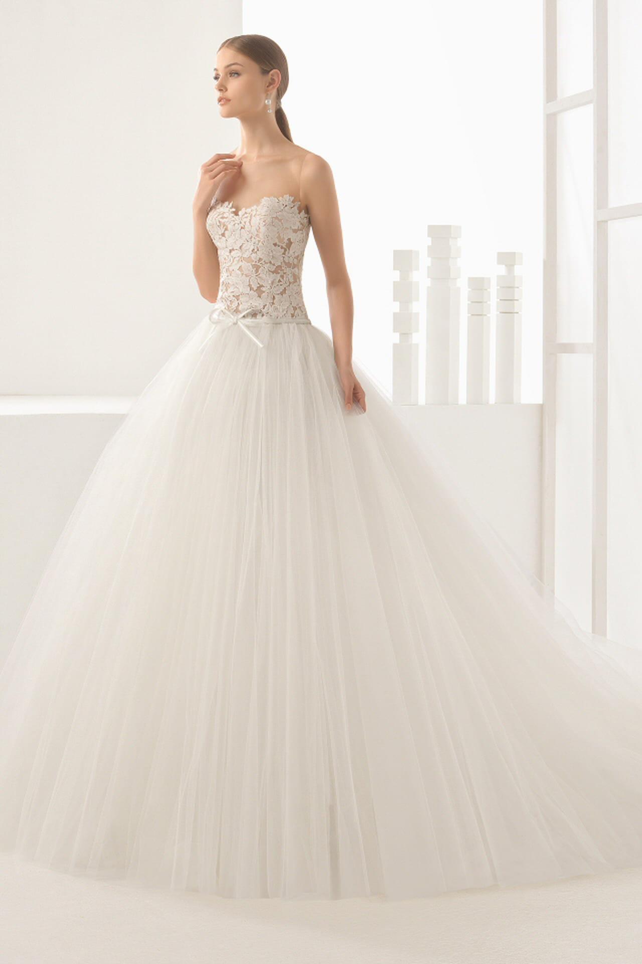 abbastanza Rosa Clarà 2017: gli abiti da sposa della nuova collezione YM72