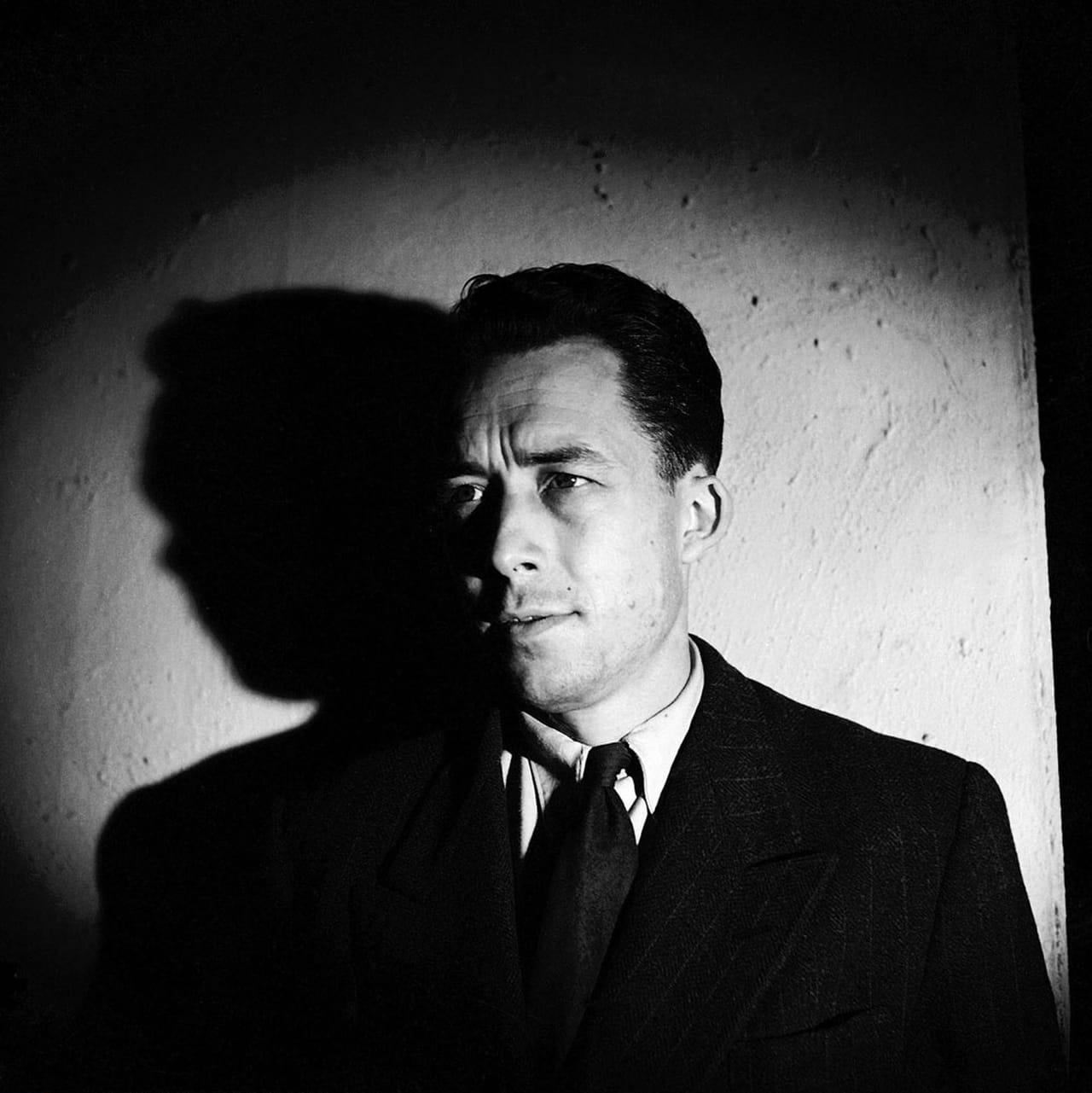 L'ordre de choisir définitivement entre l'enfer et la raison - Camus, une de Combat du 8 août 1945 dans Essais, philosophie... 746511