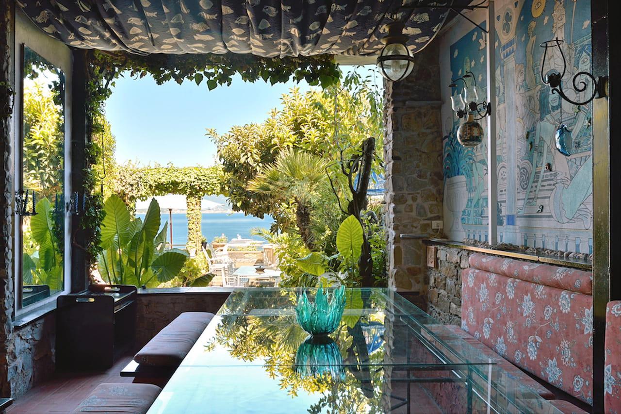 Le ville dei sogni a picco sul mare con piscina cercano for Ville da sogno interni