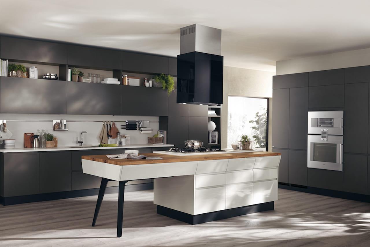 Cucine con isola la funzionalit a braccetto con l 39 estetica for Cucina a concetto aperta con isola