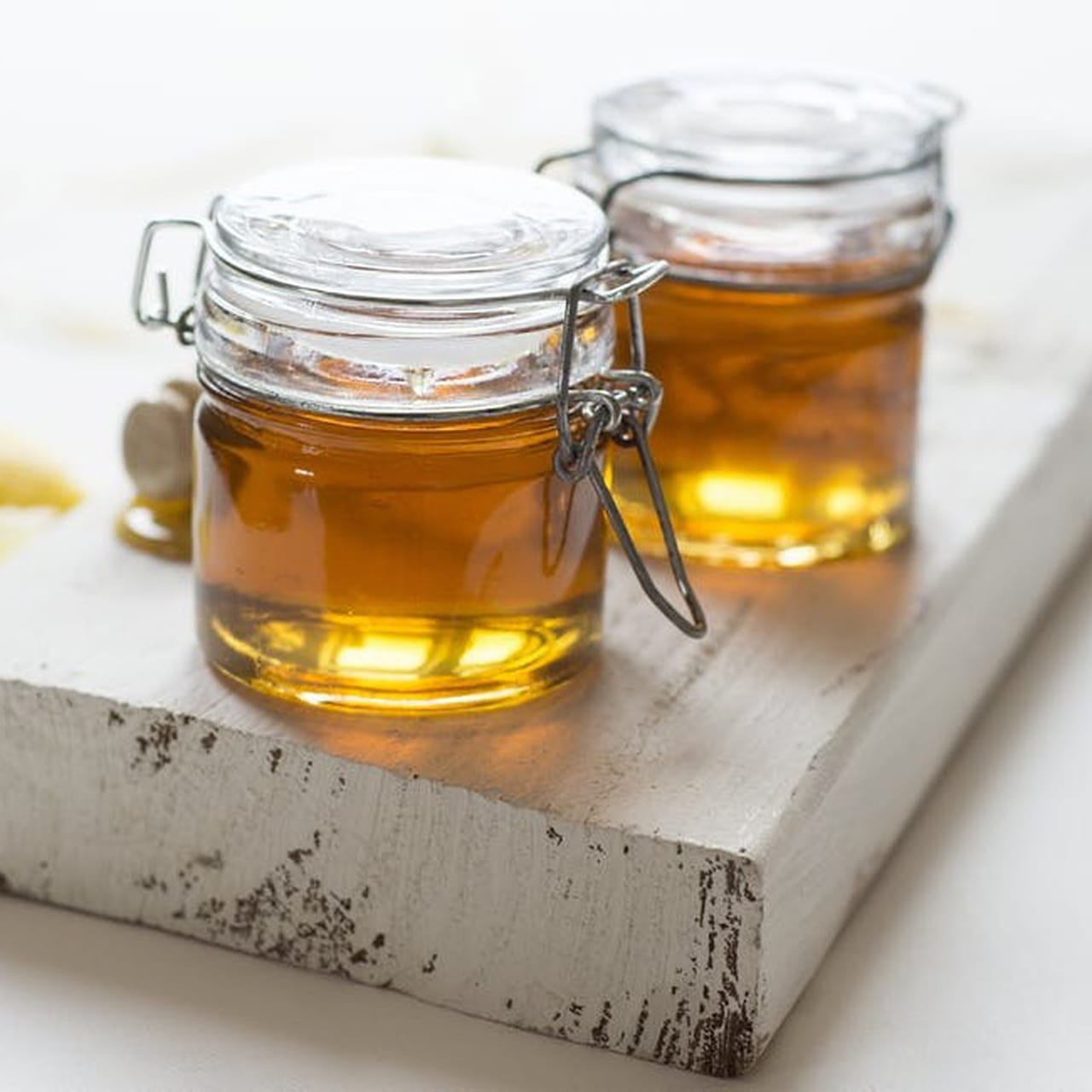1- وصفة زيت الخردل مع العسل والزبادي لإطالة الشعر