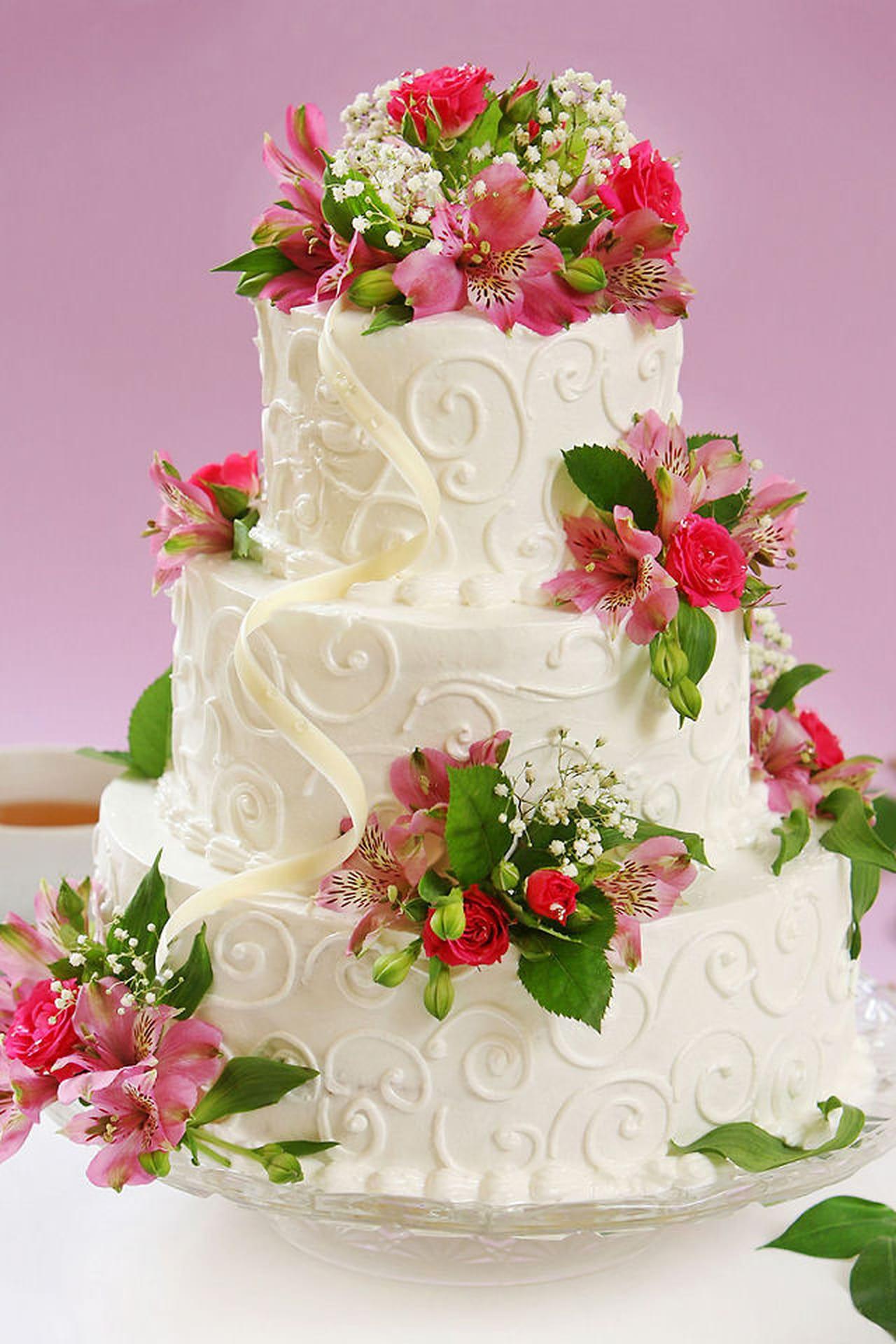 Torte eleganti 10 idee raffinate per il vostro matrimonio for Piani a forma di l per piccoli lotti