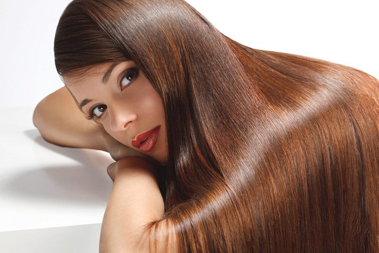 6 فيتامينات ومكملات غذائية أساسية لنمو الشعر