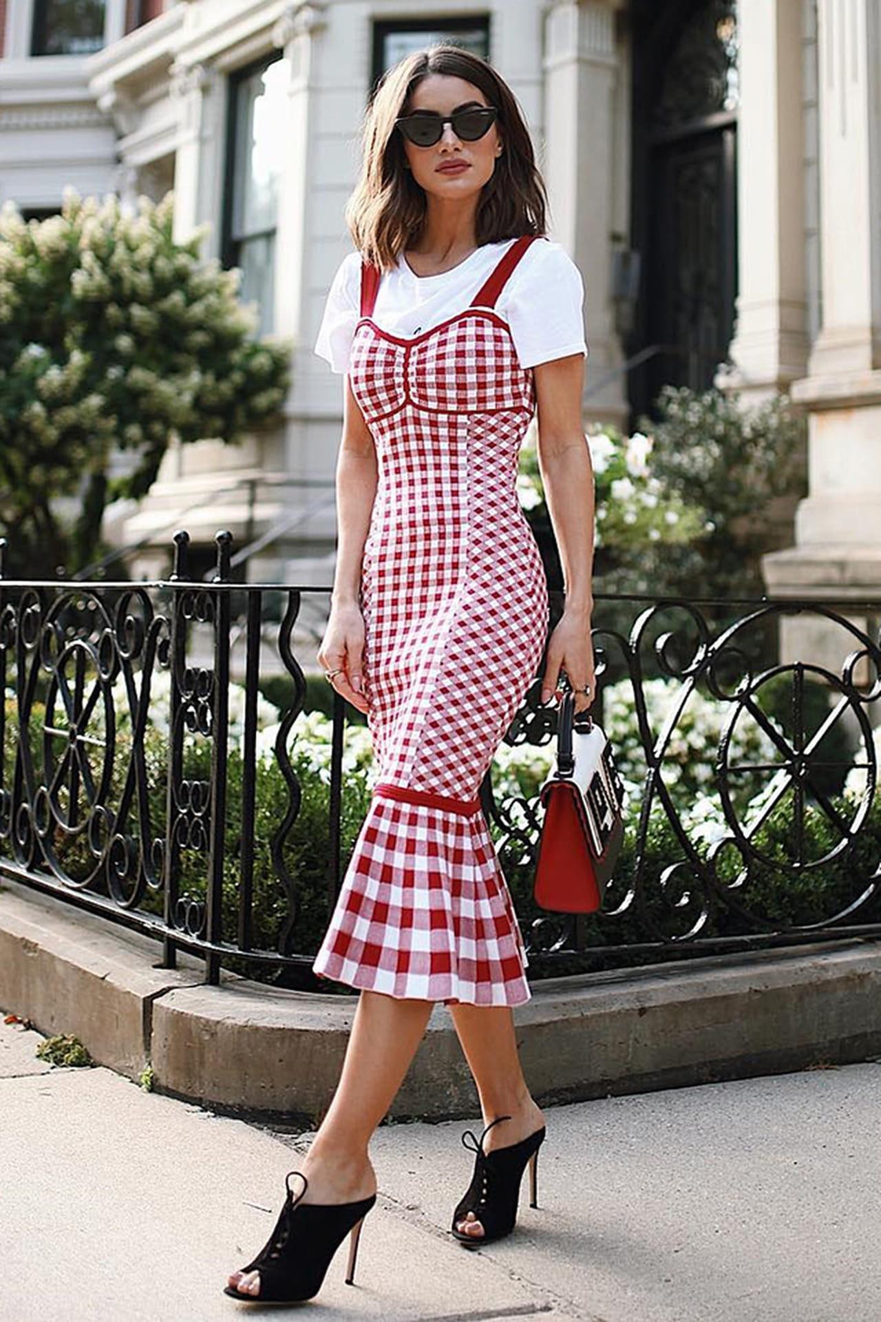 2efb2ff1d A it girl Camila Coelho com vestido que traz a estampa Vichy. ©  Reprodução/Instagram