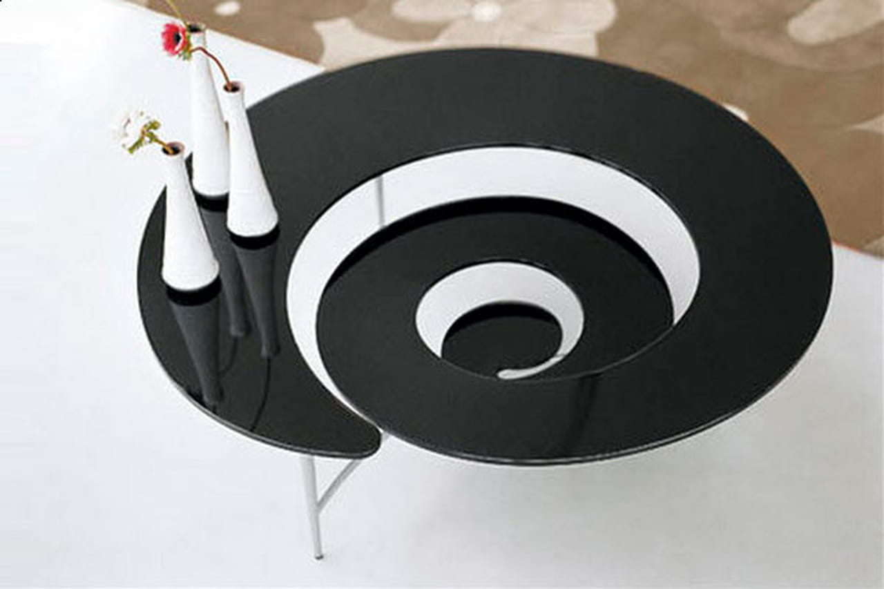 طاولات قهوة مبتكرة الأشكال والتصاميم 785262.jpg