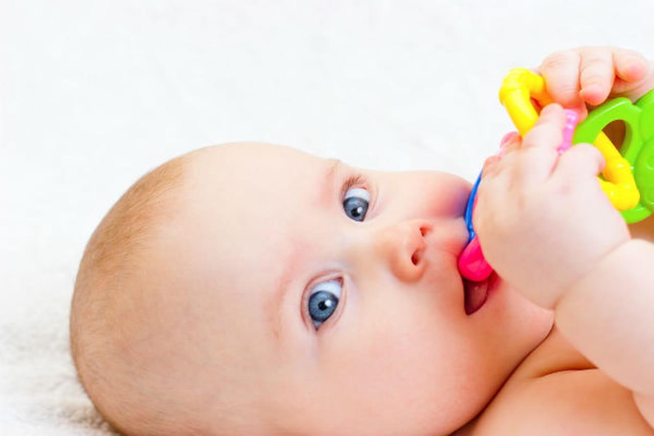 ألم ظهور الاسنان لدى الرضع كيف