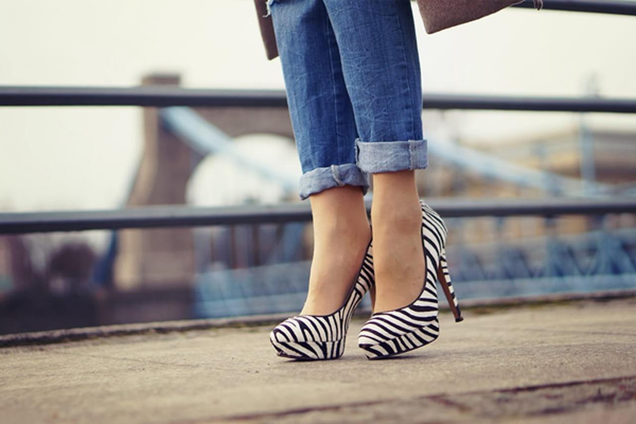 8382af84fc8d8 7 نصائح لإختيار وارتداء الحذاء ذات الكعب العالي دون الشعور بألم