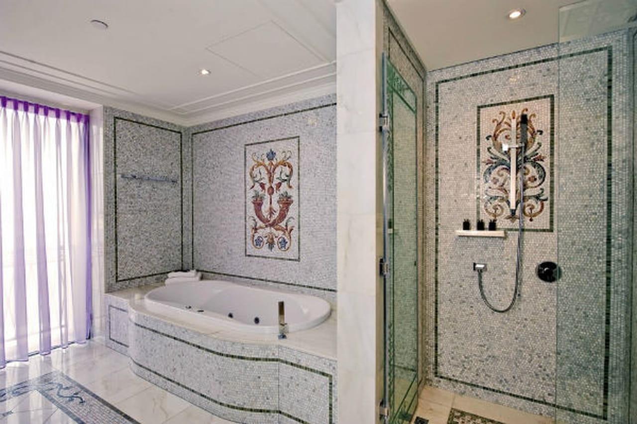 c223ececa الاناقة والرفاهية في فندق بلازو فيرساتشي دبي Palazzo Versace Dubai