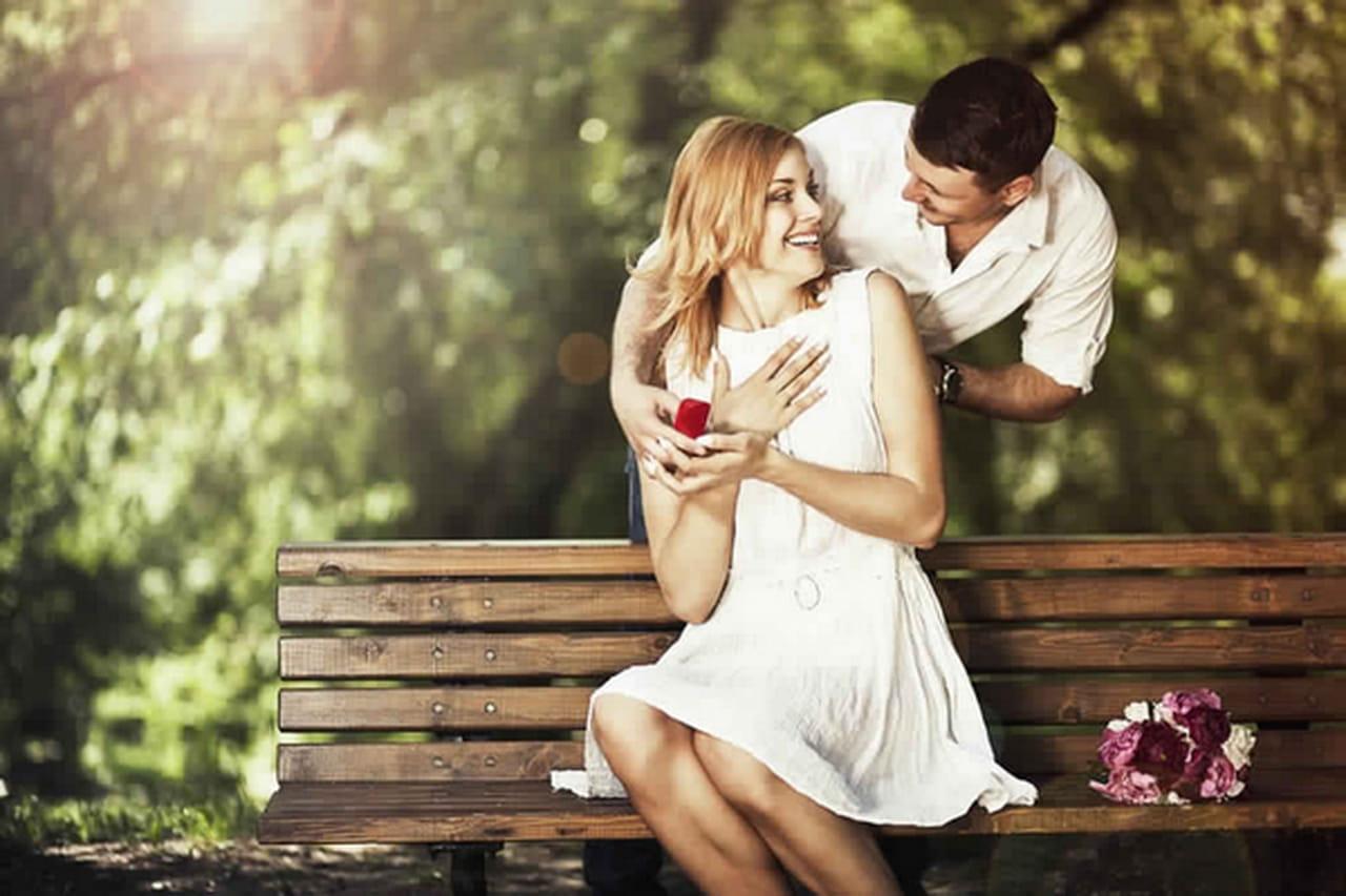 b66df6119 غالبية الرجال لا يجيدون التعبير عن مشاعرهم, فإذا كنت تريدين سيدتي معرفة ما  يجول في ذهن الرجل, وهل يكنٌ لك مشاعر حب حقيقية أو أنها سوى إعجاب و ألفة.