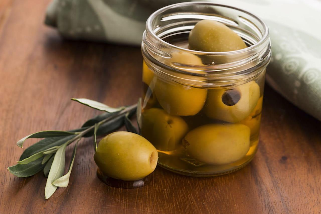 Come conservare le olive verdi o nere in salamoia o sott - Cucinare olive appena raccolte ...