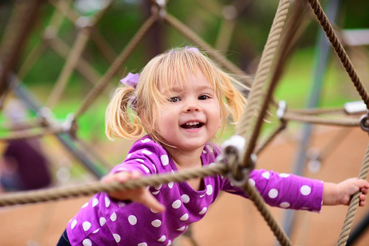 7 نصائح للمحافظة على راحة الطفل في الصيف 890660.jpg