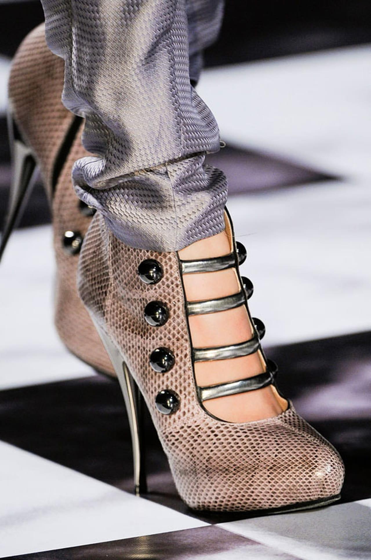 01b6d5c2e513e مجموعة من أجمل أحذية ربيع وصيف 2013
