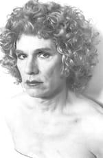 Rose (blanche) parmi la « Rrose » : Christopher Makos photographe de Warhol