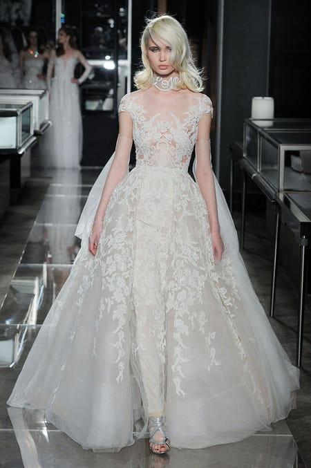 جولة أسبوع الاناقة لفساتين الزفاف