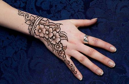 رسومات حناء قمة الروعة لكل عروسة
