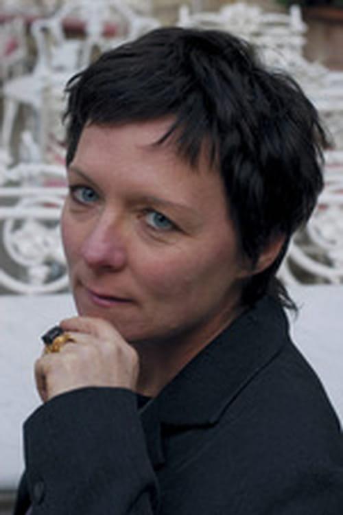 Retour à la Hague avec Claudie Gallay, l'auteur des Déferlantes